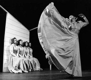 Martha Graham dances in Appalachian Spring in New York City in 1944. Image courtesy Jerry Cooke/Corbis